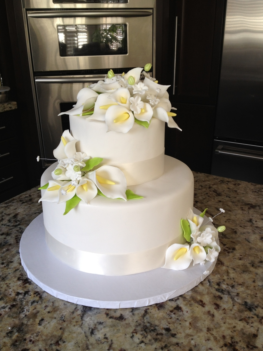 Black Calla Lilly Wedding Cakes