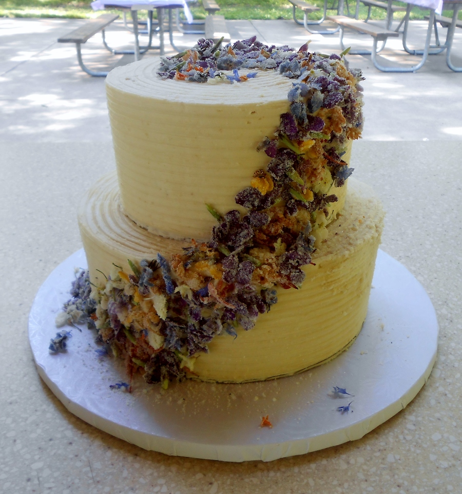 Wedding Cake Flowers Edible: Edible Flower Wedding Cake