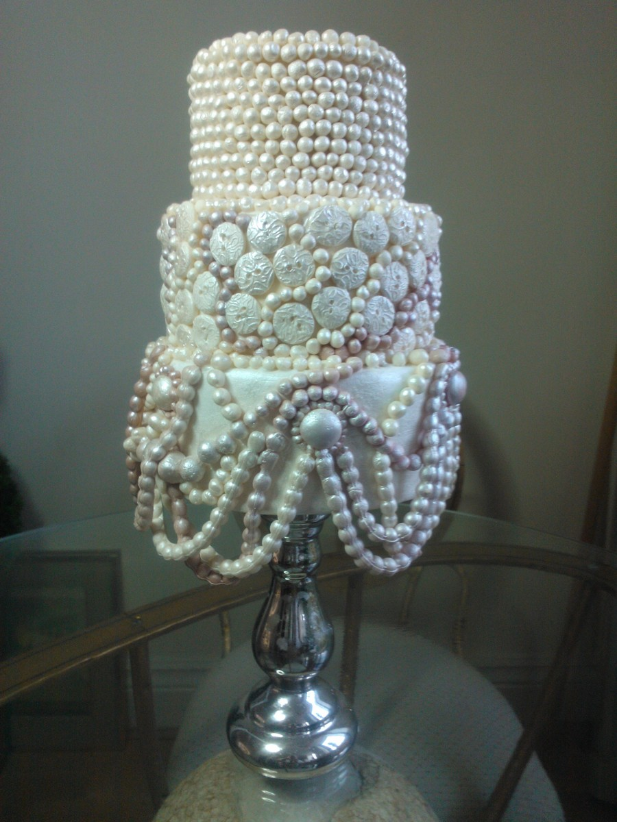 Buttons 'n' Pearls on Cake Central