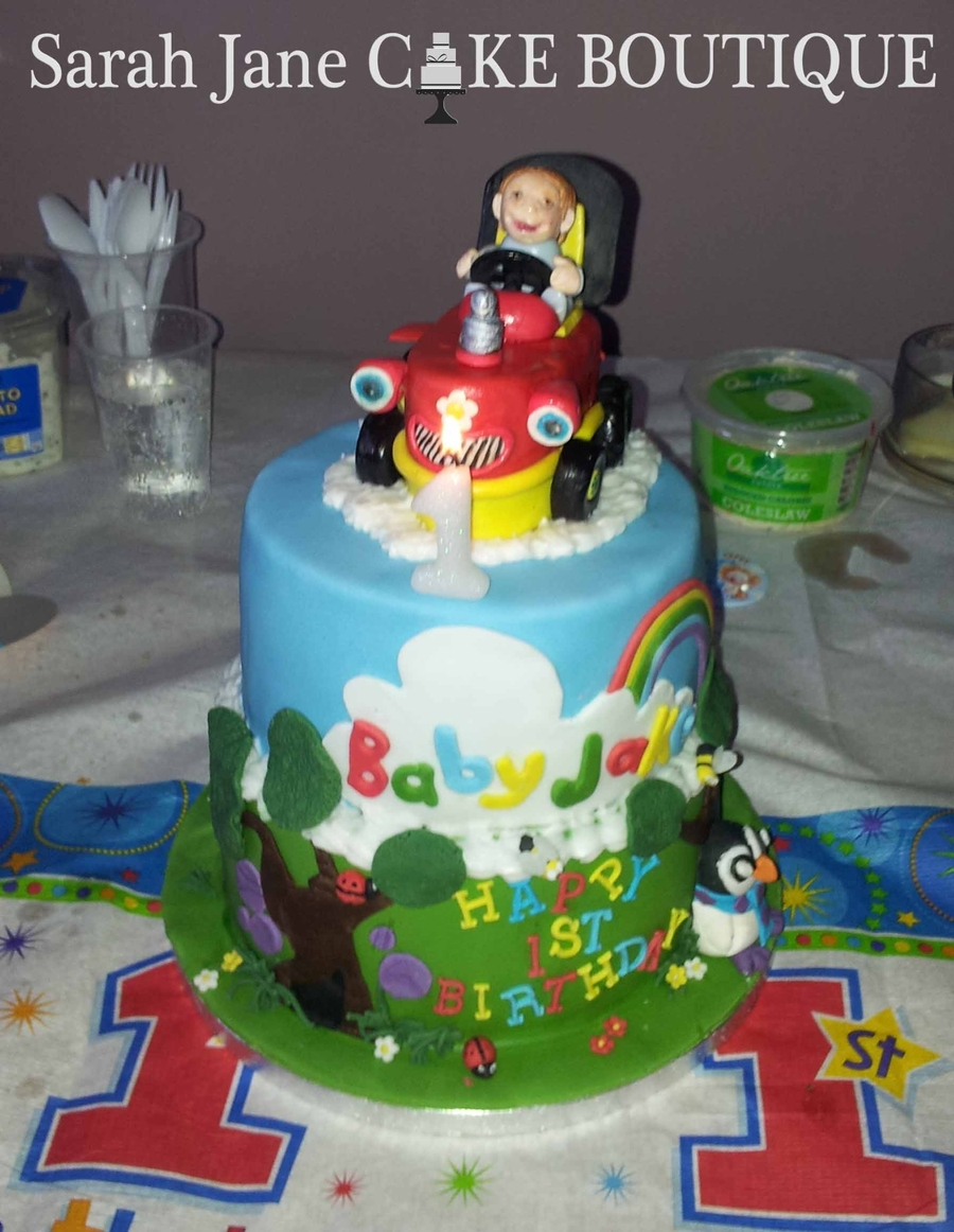 Amazing Baby Jake Cbeebies Tractor Cake Cakecentral Com Funny Birthday Cards Online Alyptdamsfinfo