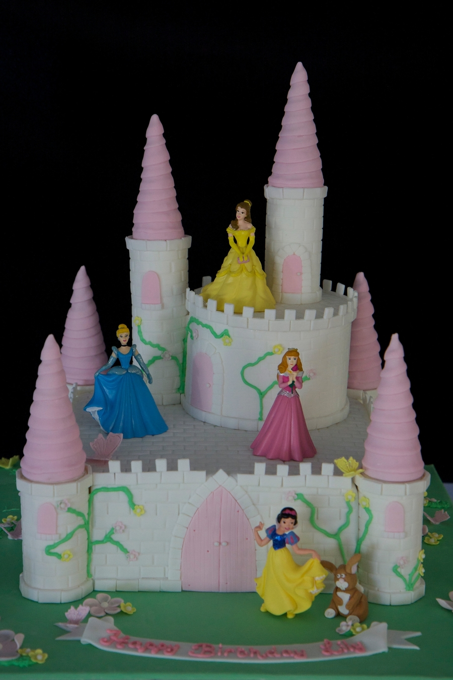 Lily's Princess Castle on Cake Central