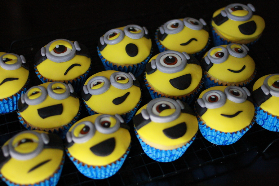 Despicable Me Minion Cupcakes CakeCentralcom