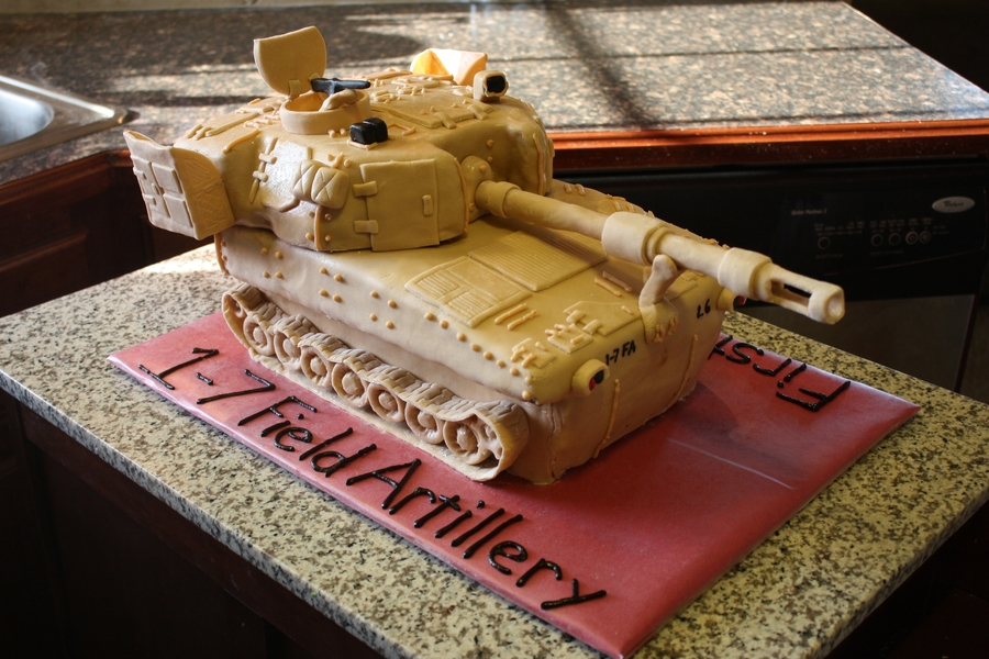 M109A6 Paladin Cake  on Cake Central