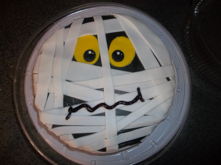 A Mummy on Cake Central