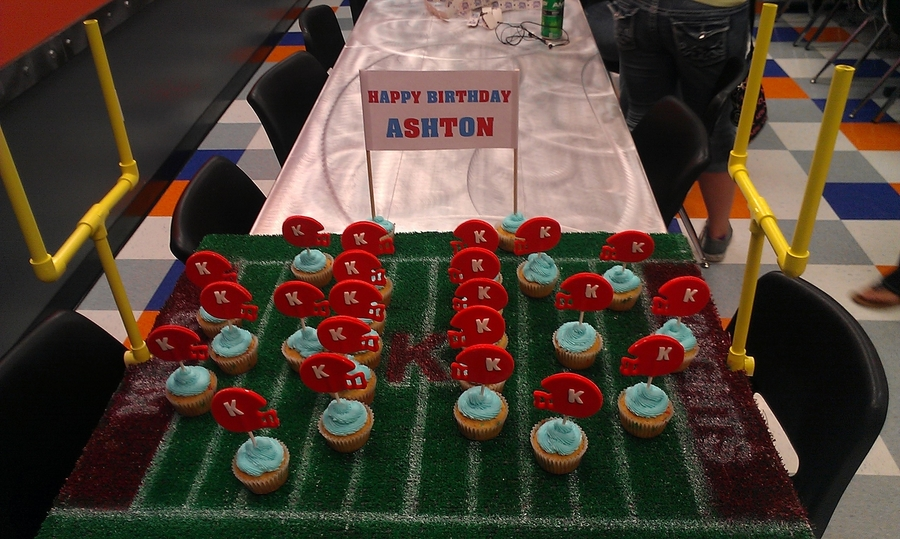 Football Cupcakes!! on Cake Central