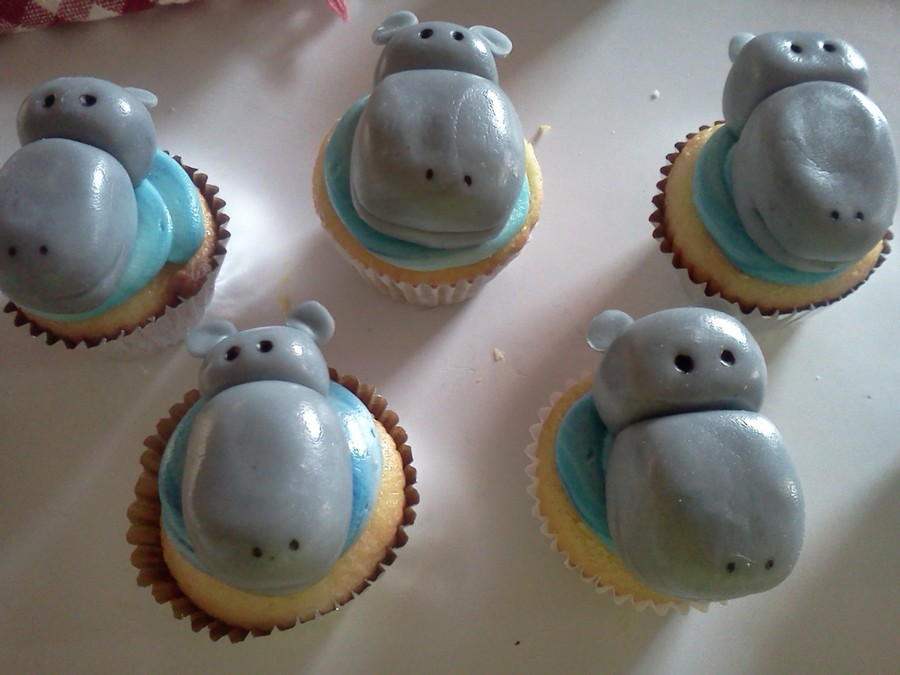Mini Cupcakes-Hippos  on Cake Central