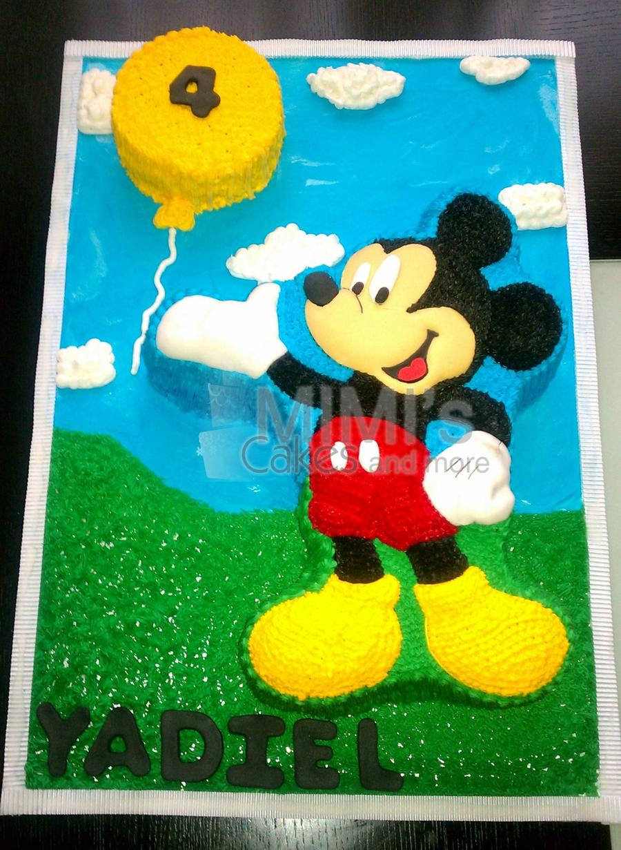 Micke Mouse Celebrates on Cake Central