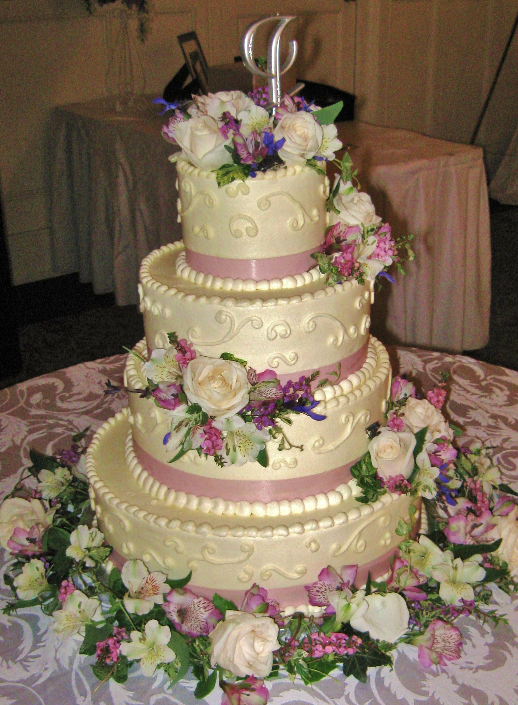 Wedding Cakes With Roses And Lilies