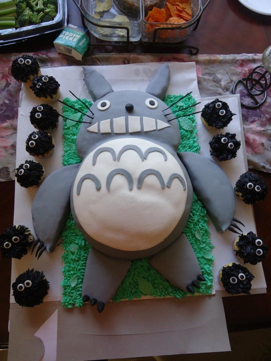 Totoro Cake  on Cake Central