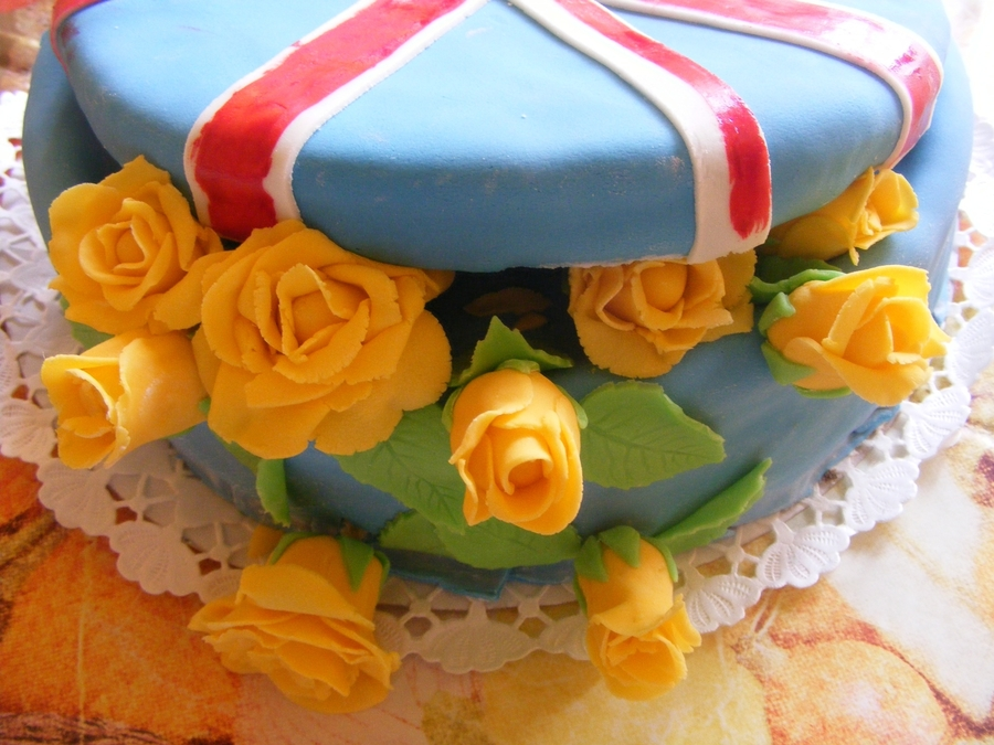 British Flag Gift Box Yellow Roses on Cake Central