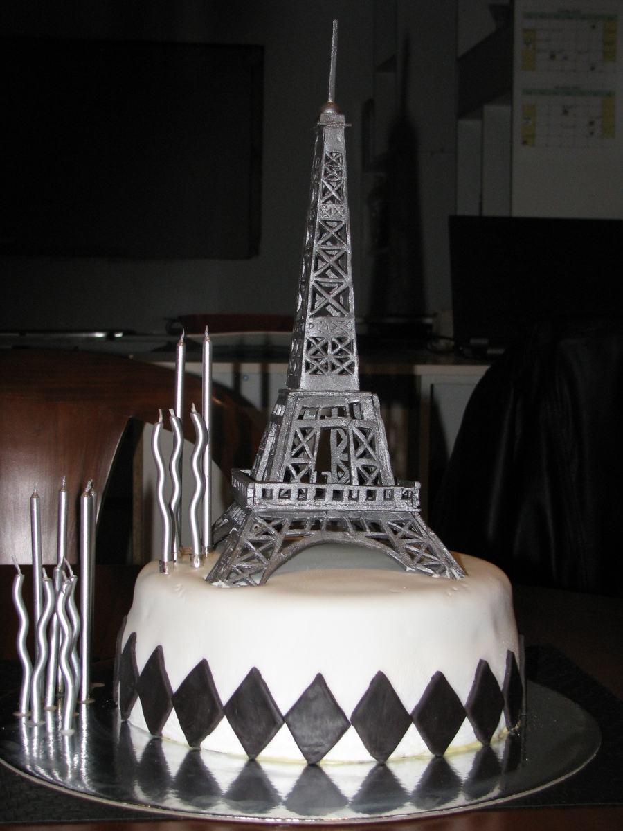 Eiffel Tower Cake on Cake Central