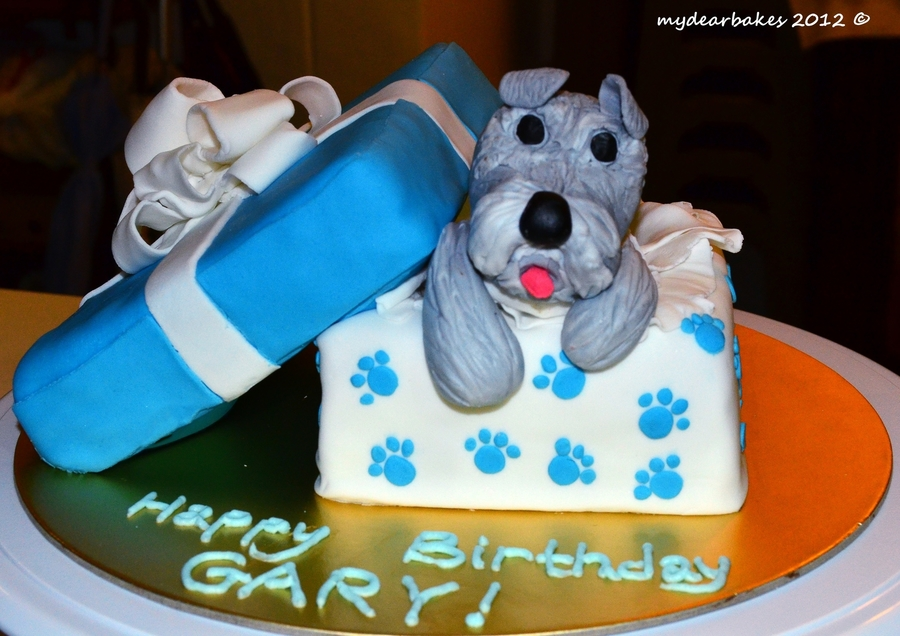 A Dog Themed Birthday Cake 01