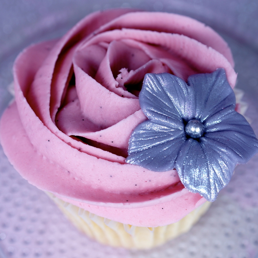 Rose Swirl Cupcake on Cake Central
