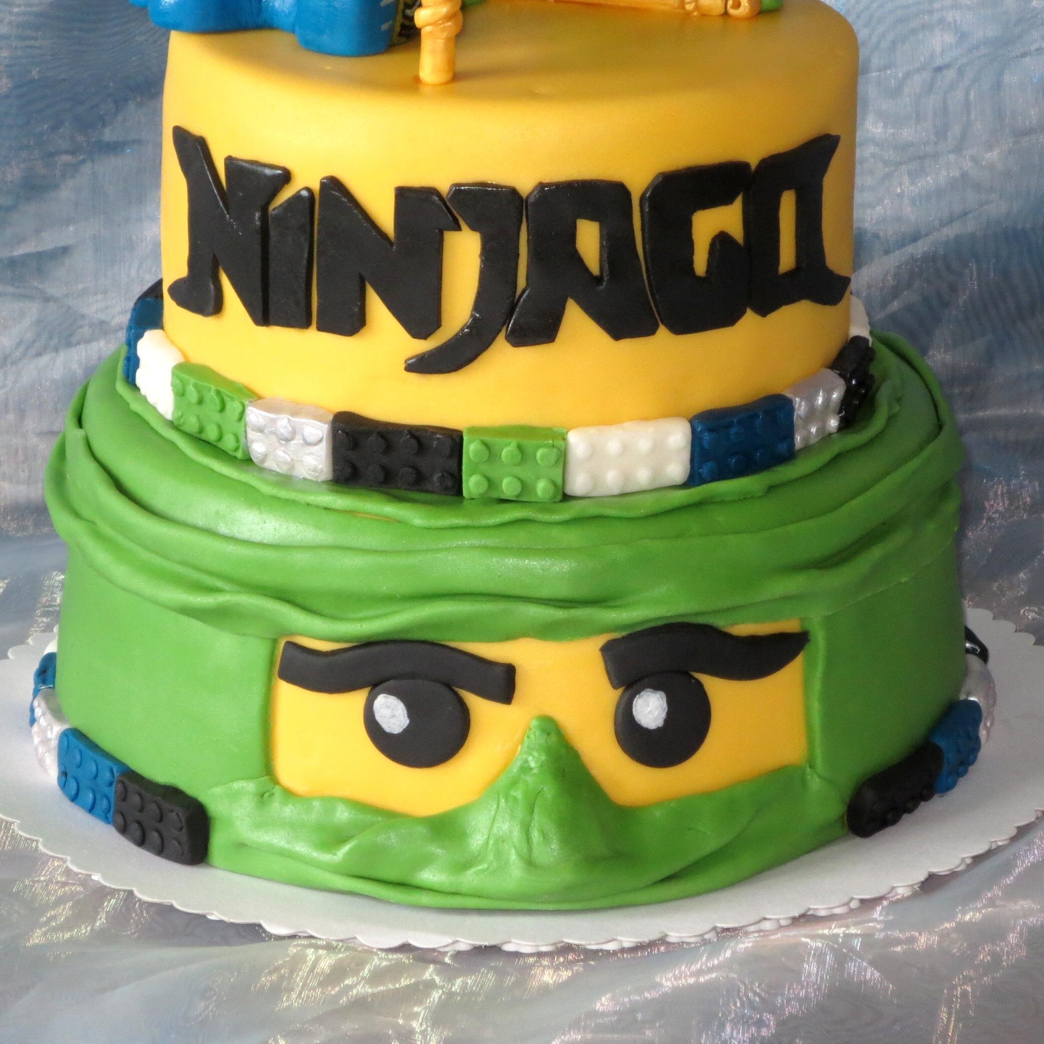 Cake Images Jay : Lego Ninjago Jay Vs Fangdam - CakeCentral.com