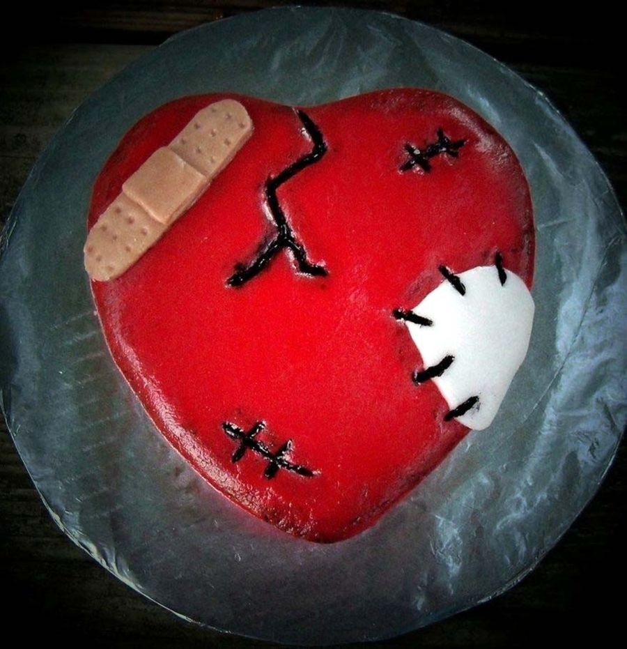 Broken Heart  on Cake Central