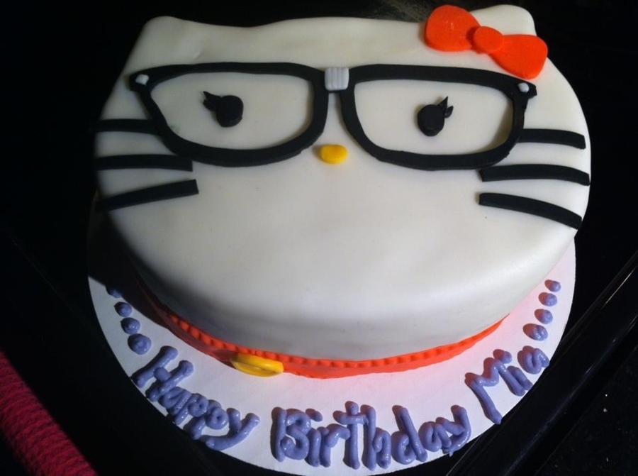 Hello Nerdy Kitty on Cake Central