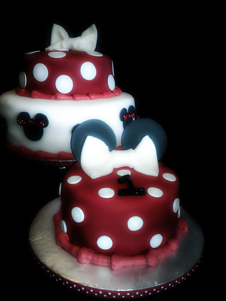 Red White And Black Minnie Mouse 1St Birthday Cake And ...