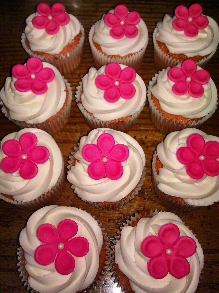 Simple Flower Cupcakes on Cake Central