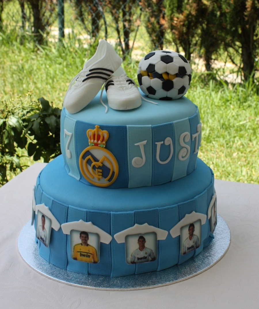 real madrid cake real madrid cake cakecentral 6971