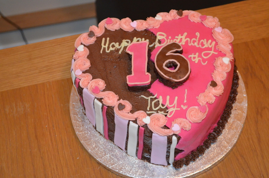 Chocolate Heart Birthday Cake For My Now 16 Lover Of Pink Friend Tayla