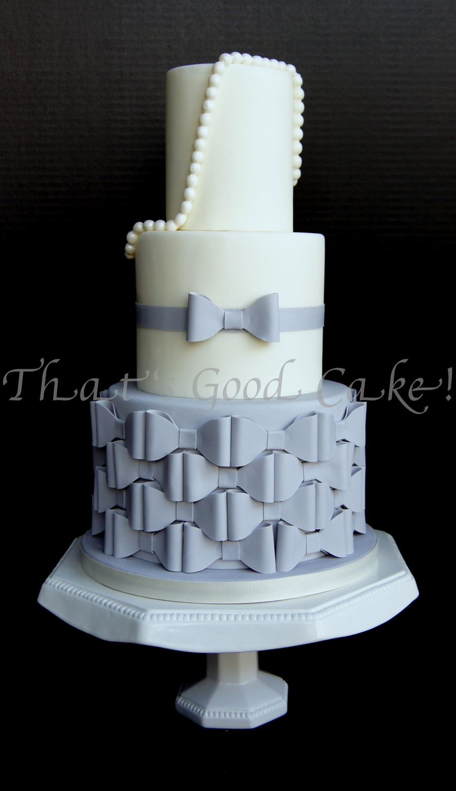 The Jessica Harris Bow Cake Cakecentral Com