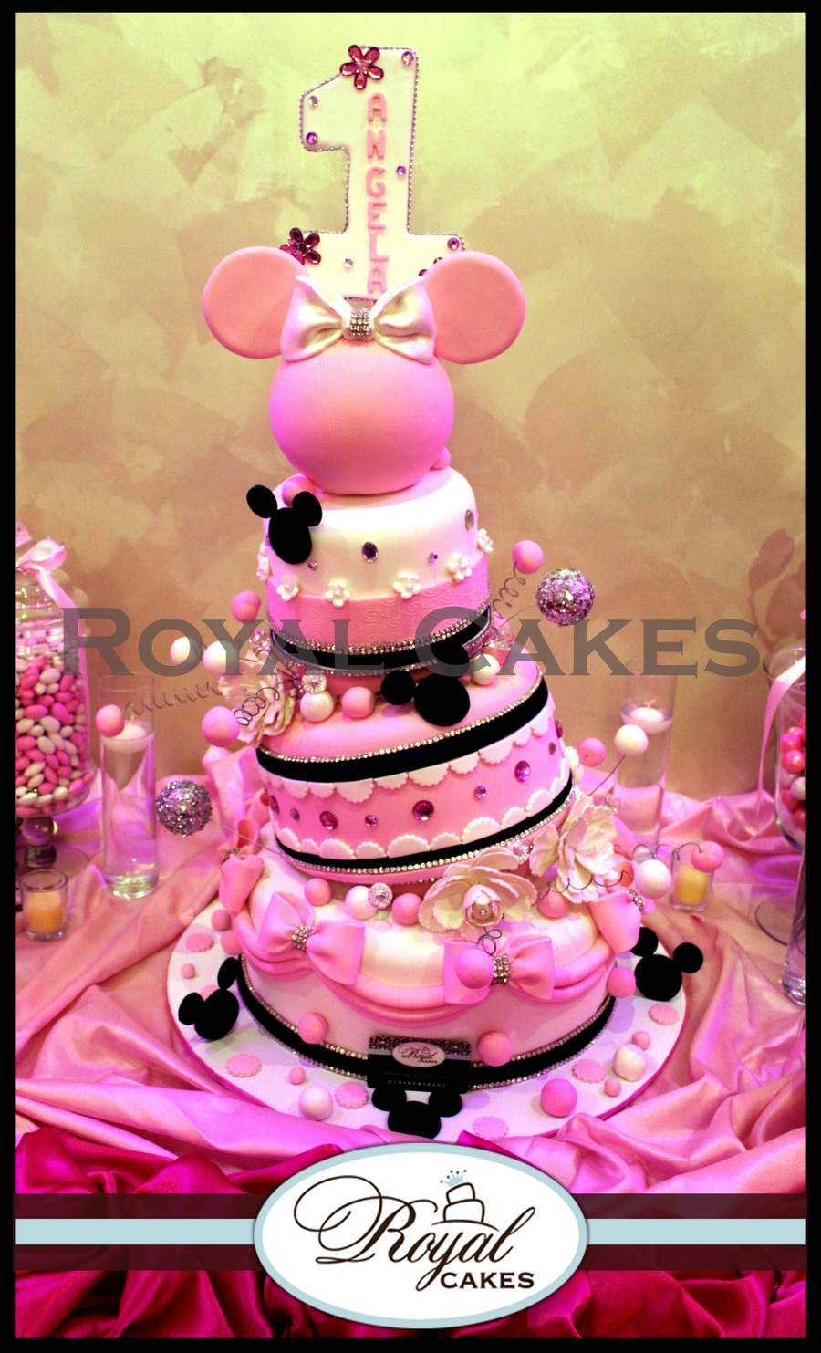 Minnie! on Cake Central