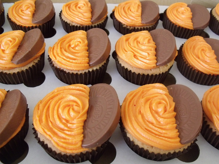 Orange Cupcakes With An Orange Cream Cheese Frosting And ...