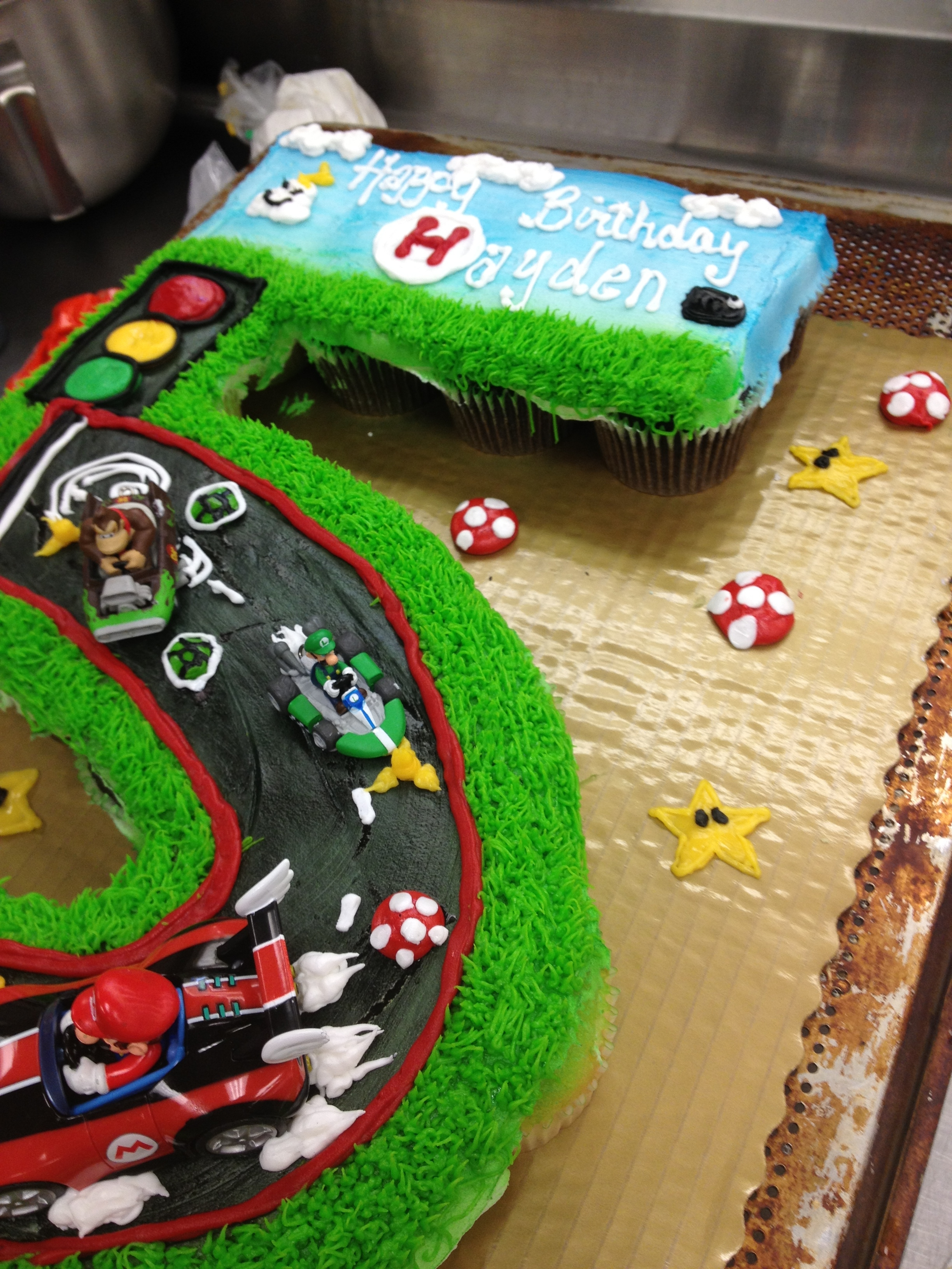 Swell Super Mario Bro Cake Shaped Into A Number 5 Cakecentral Com Personalised Birthday Cards Akebfashionlily Jamesorg