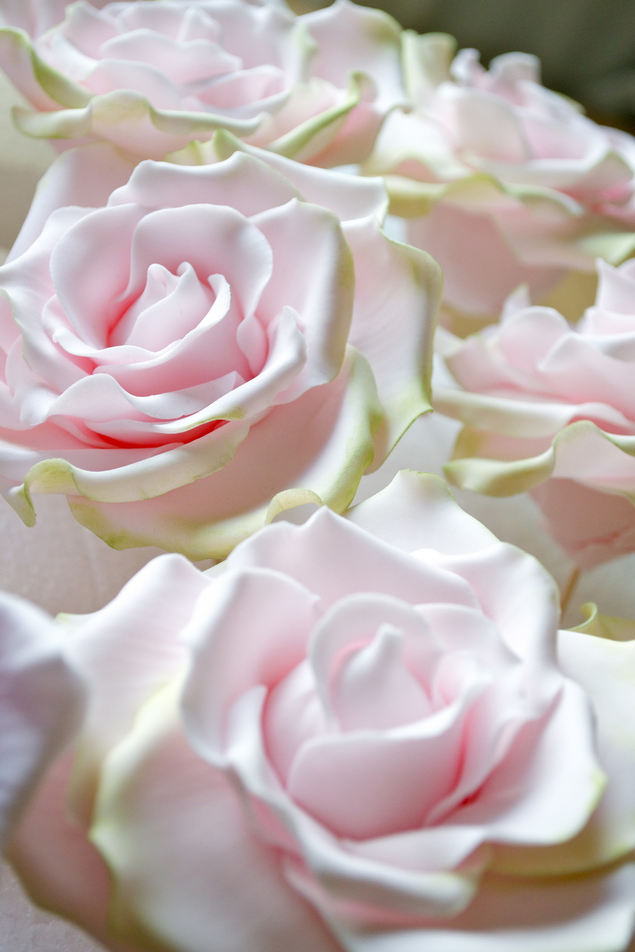 Sweet Avalanche Sugar Roses on Cake Central