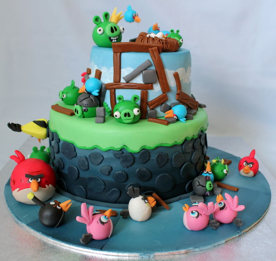 Angry Birds Birthday Cake - CakeCentral.com