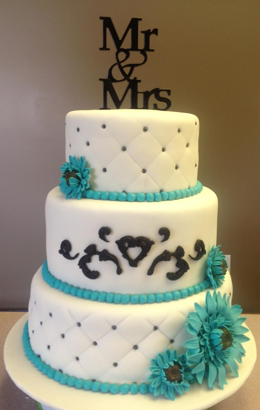 Teal And White on Cake Central
