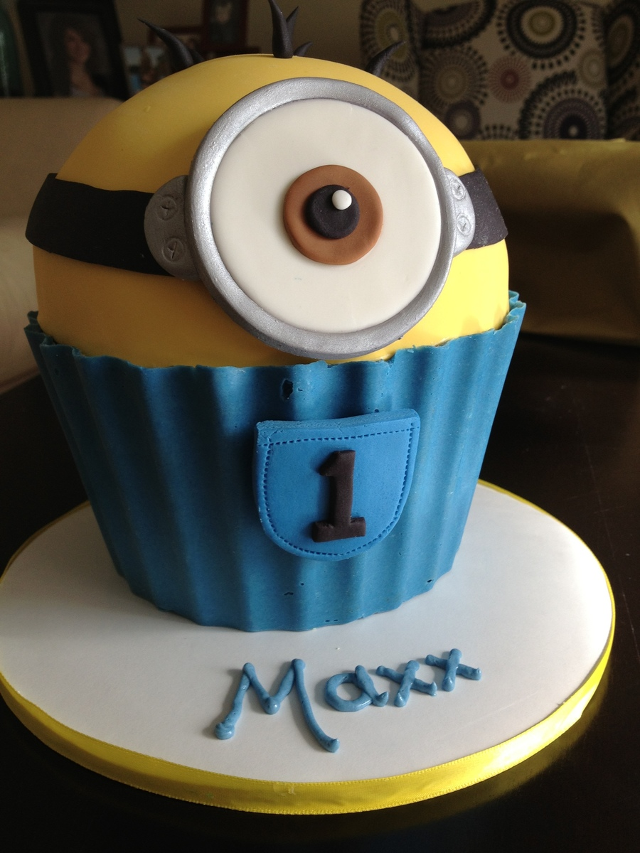 Giant Cupcake Minion - CakeCentral.com