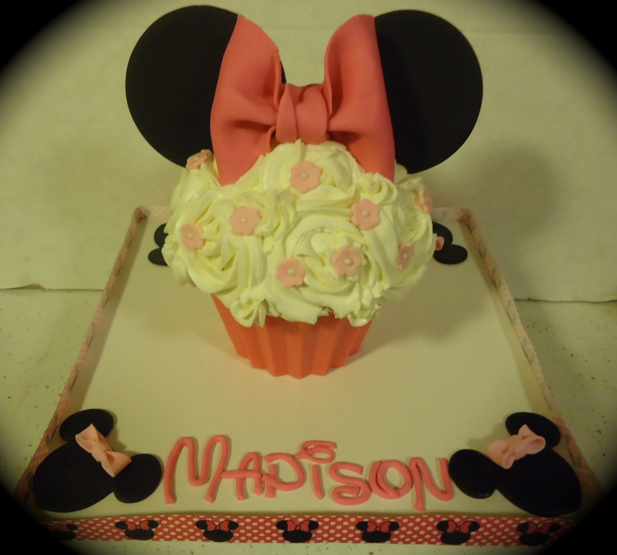 Madison's 1St Birthday Smash Cake  on Cake Central