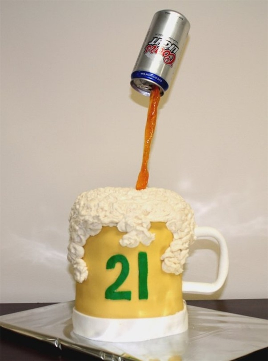 Beer Mug With Real Can on Cake Central