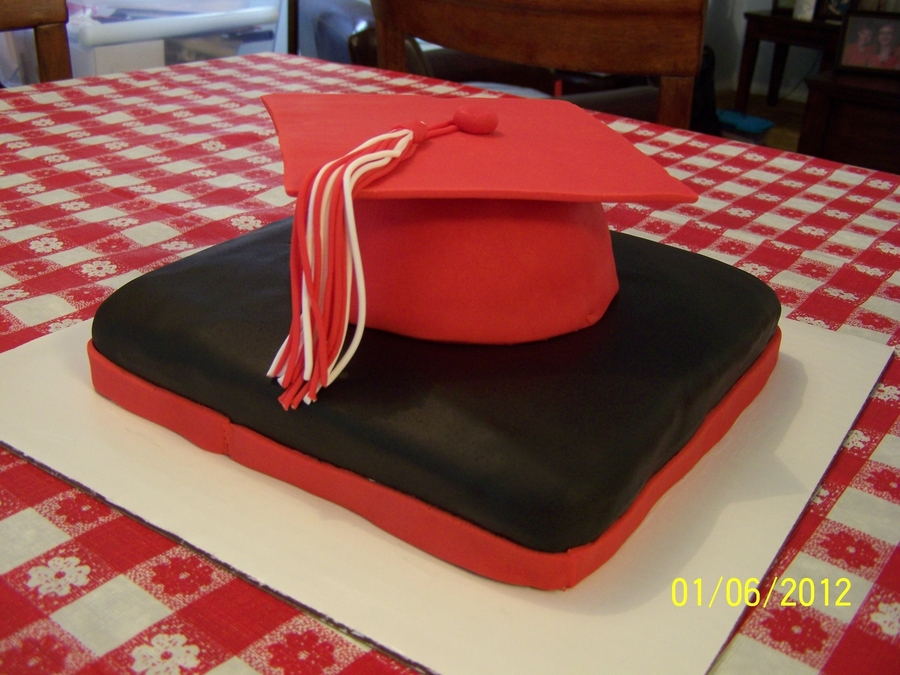 Mortar Board Hat #1 on Cake Central