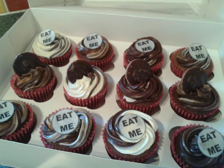 Eat Me Cupcakes on Cake Central