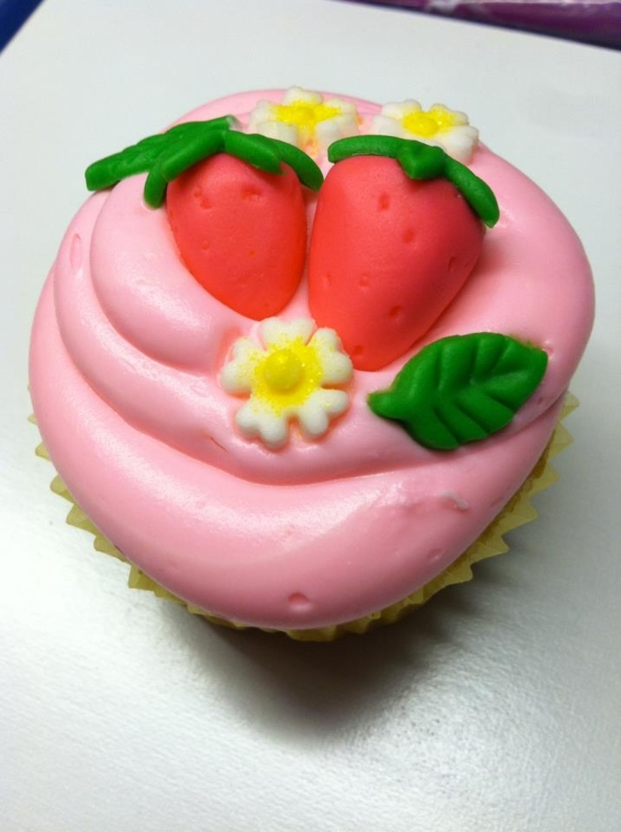 Strawberry Cupcake on Cake Central
