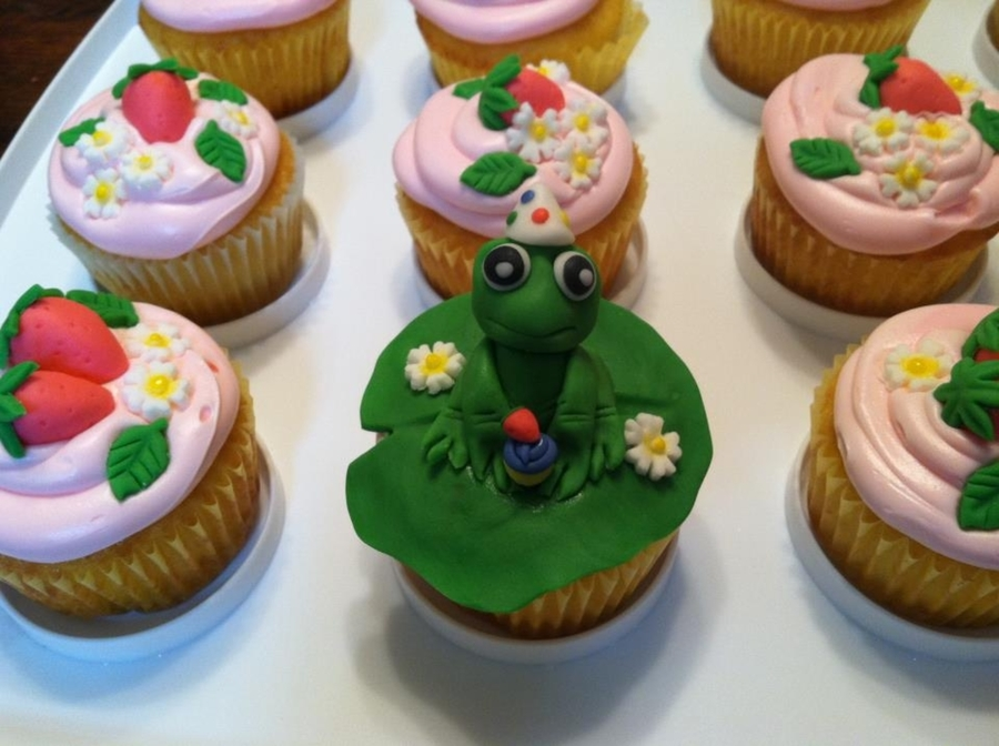 Frog Birthday Cupcake on Cake Central