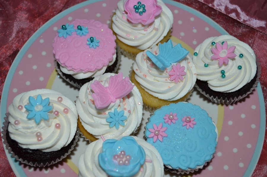 Pink And Blue on Cake Central