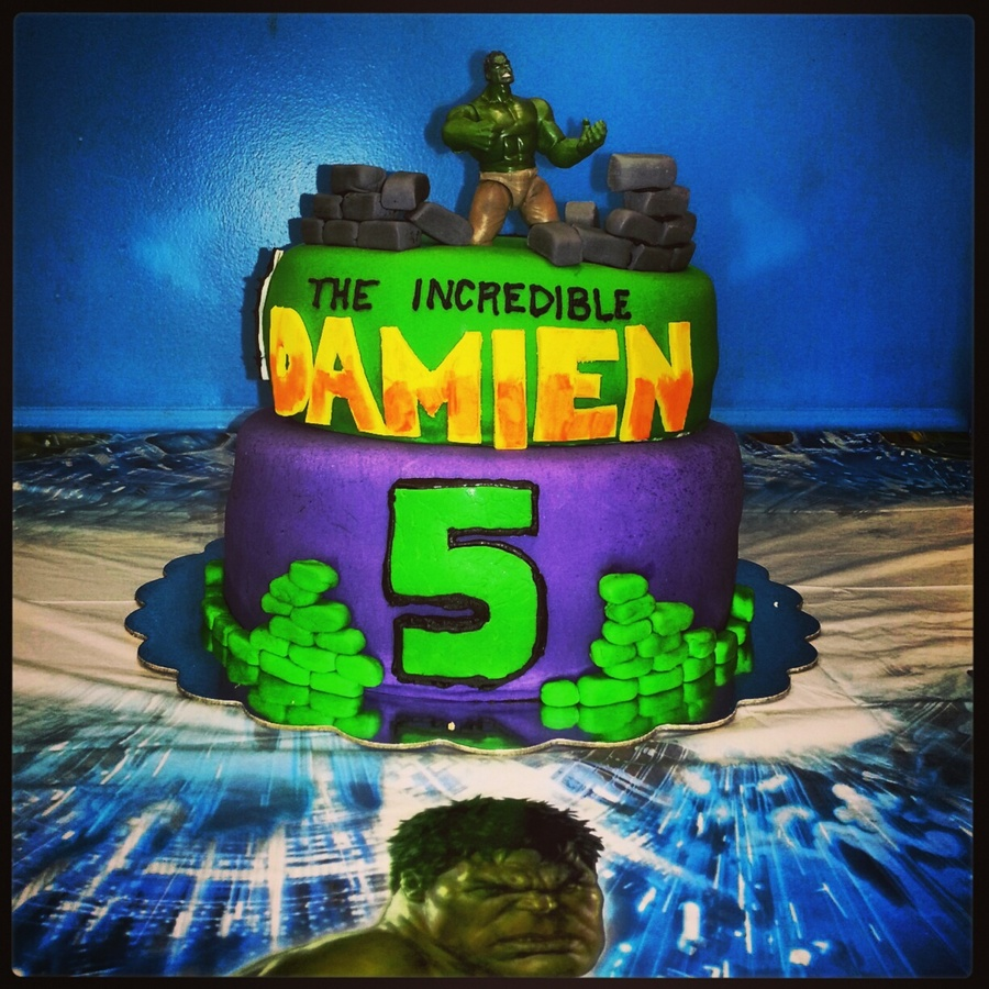 Hulk Cake The Incredible Damien CakeCentralcom