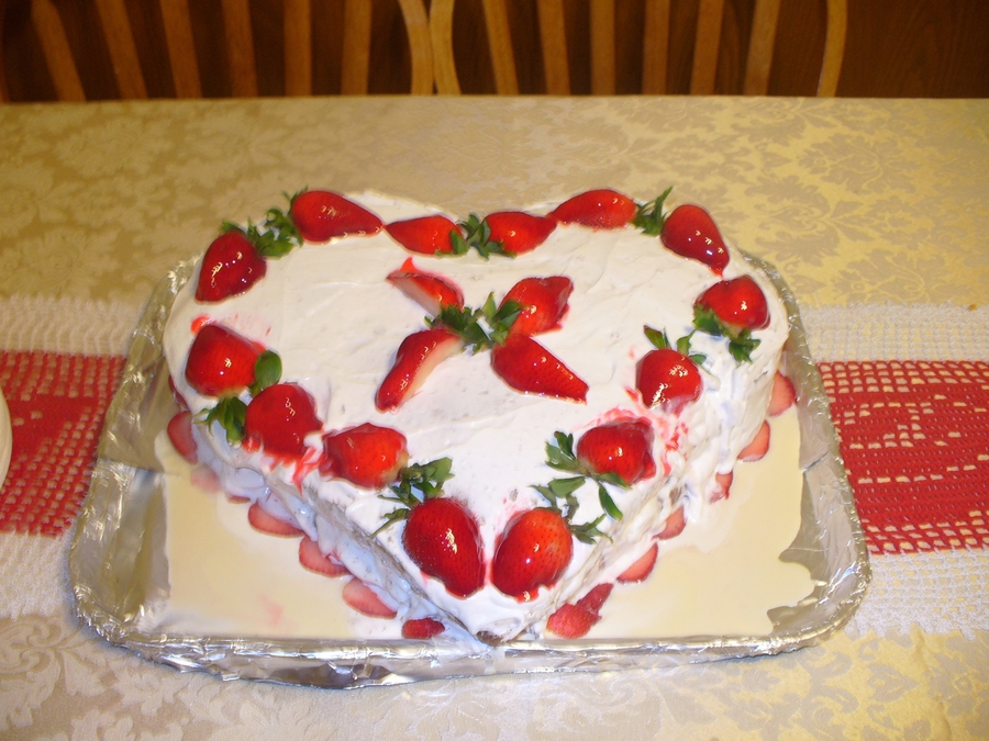 Birthday Cake / Valentine's - 2006  on Cake Central
