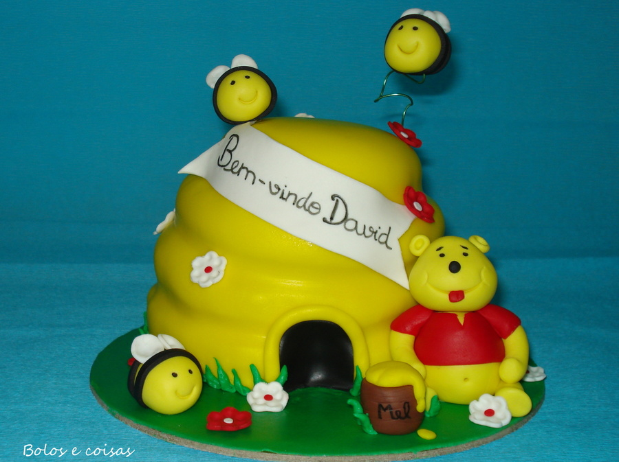 Winnie The Pooh And The Bees on Cake Central