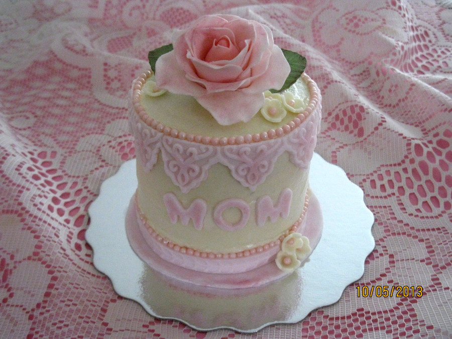 Images Of Cake For Mothers Day : Mini Mothers Day Cake White Cake With Vanilla Butter Cream ...