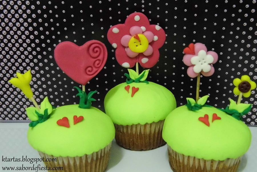 Cupcakes Jardin Encantado. on Cake Central
