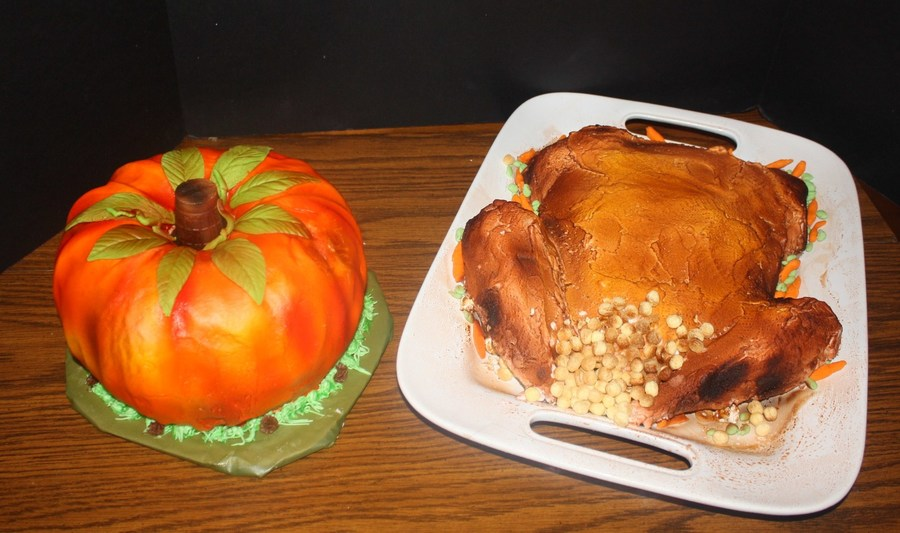 Pumpkin And Turkey Cakes on Cake Central