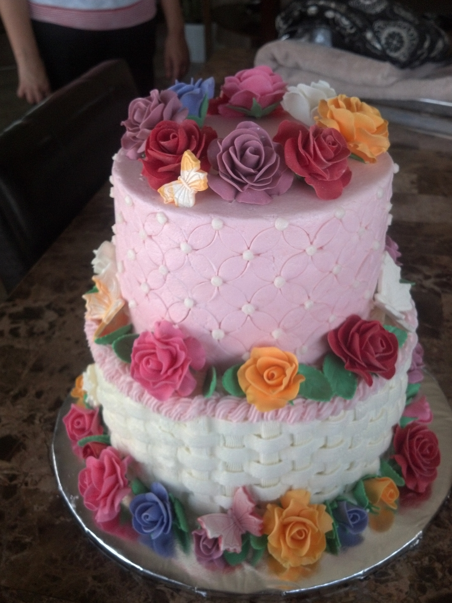Pretty With Roses on Cake Central