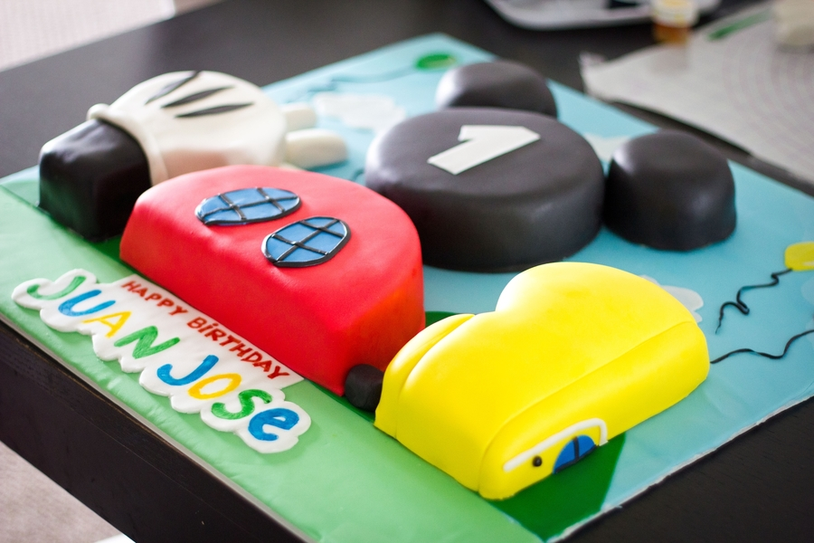 Mickey Mouse Clubhouse - Cake Outside The Box on Cake Central
