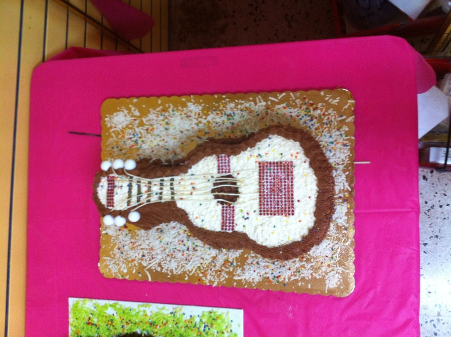 Guitar Silhouette on Cake Central