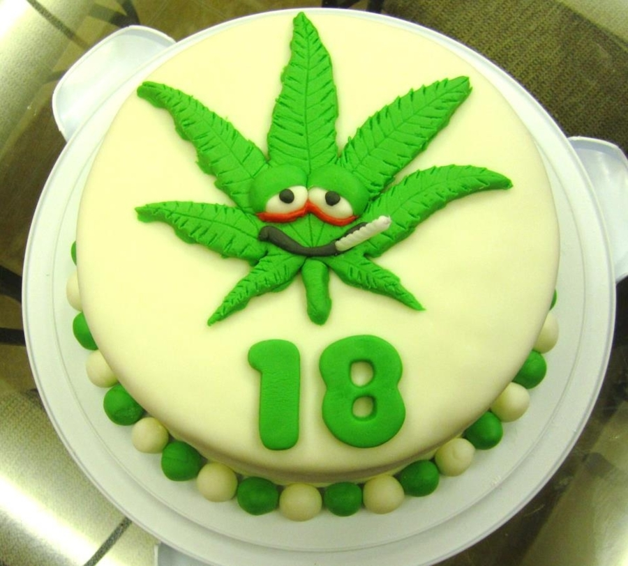 weed birthday cake happy smokin birthday cakecentral 1240