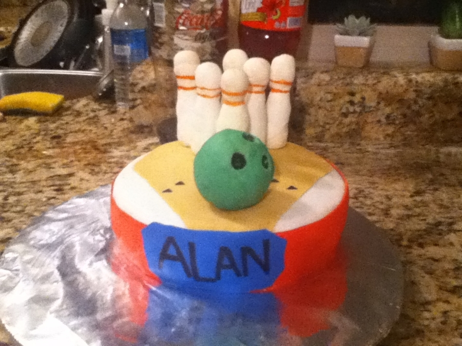 Bowling on Cake Central